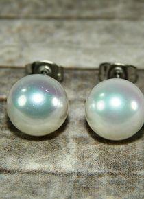Aros de perla plateada