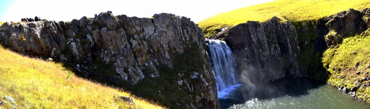 The Sehlathebe falls in Lesotho with Lesotho Adventures