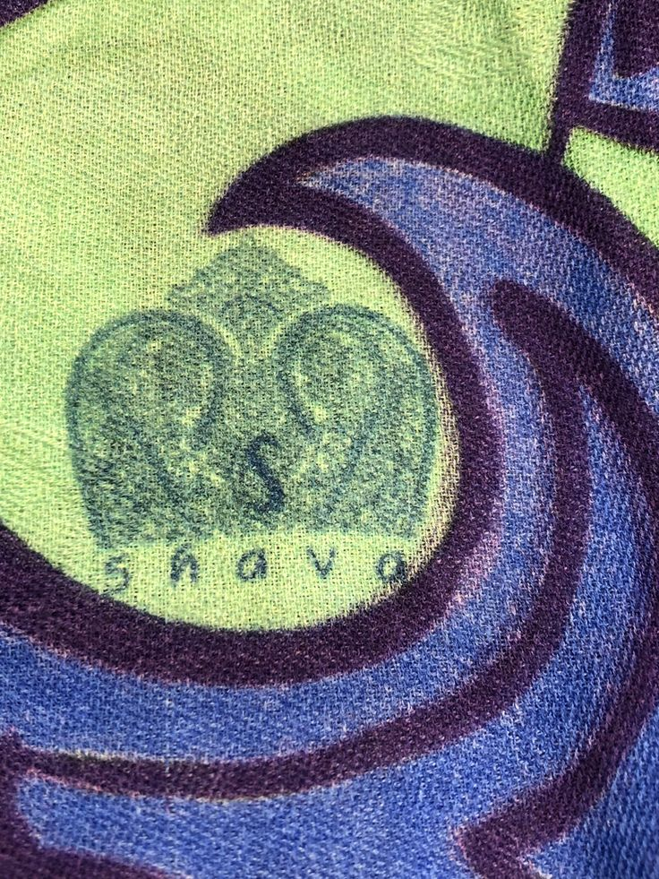 """Shava Cashmere Handcrafted pure Cashmere """"The Geo Paisley """" Collection  www.shava.ch"""