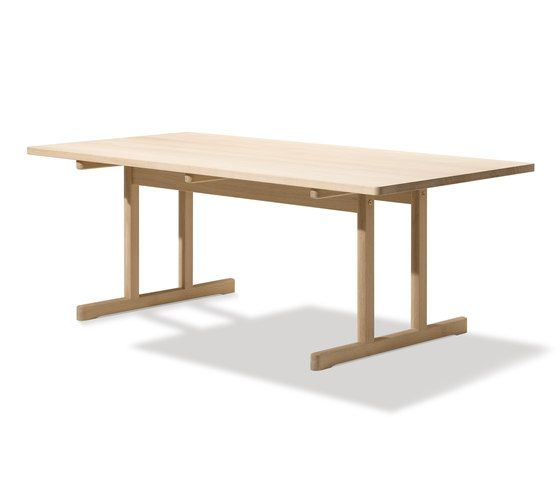 The Shaker Table by Fredericia Furniture   Dining tables