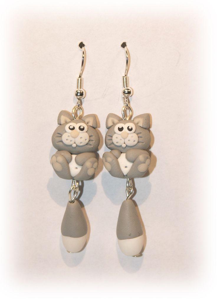 boucles d'oreille chats en fimo et métal argenté : Boucles d'oreille par fimomag