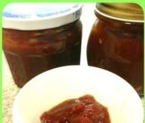 sweet spicy honey tomato jam (foodinajar)