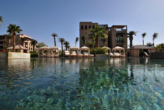 Family Pool, beautiful pool for adventurers!