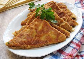 Przepis na Kotlety mielone w waflu. Jak zrobić Kotlety mielone w waflu Są świetnym pomysłem na niebanalne mielone. Kotlety mielone w waflu to trójkąty mięsa mielonego przełożonego między dwa suche wafle