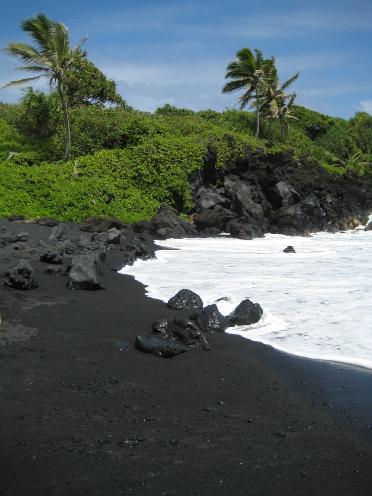 Maui hawaii black sand beach ladyluxurydesigns Black sand beach hawaii