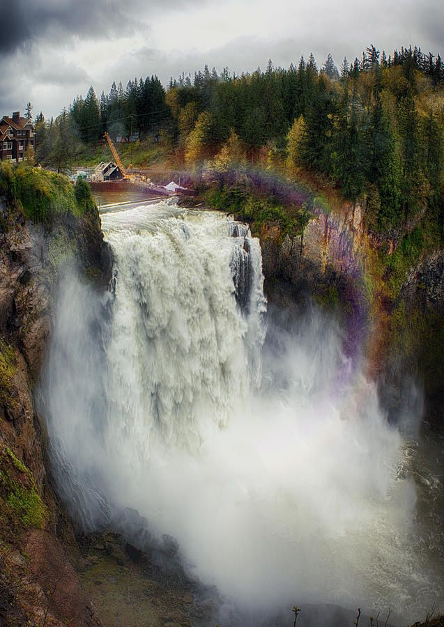 ✯ Snoqualmie - Falls Washington State - beautiful!!  Ate in a restaurant that overlooked the falls...best breakfast on earth...never ending food, served with style!