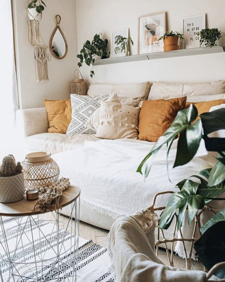 Pin By Sarah Dacosta On Girly Wishlist Chic Living Room Decor Apartment Decor Home Boho living room wall decor