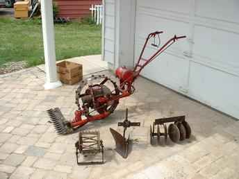 Antique Tractors 2 Wheel Garden | Used Farm Tractors for Sale: Single Wheel Garden Tractor (2004-08-25 ...
