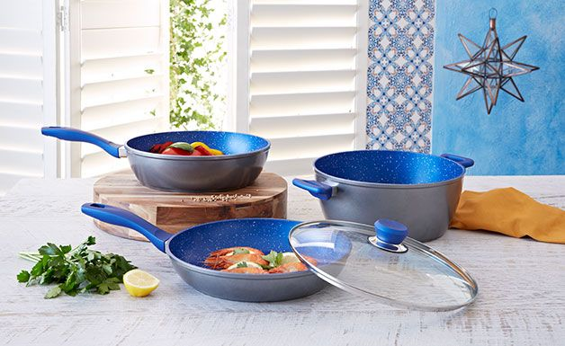 Flavorstone 4 Piece Cookset: At the end of a busy day the last thing I wanna be doing is scrubbing dishes.  This cookset is amazing because they are so easy to rinse clean.