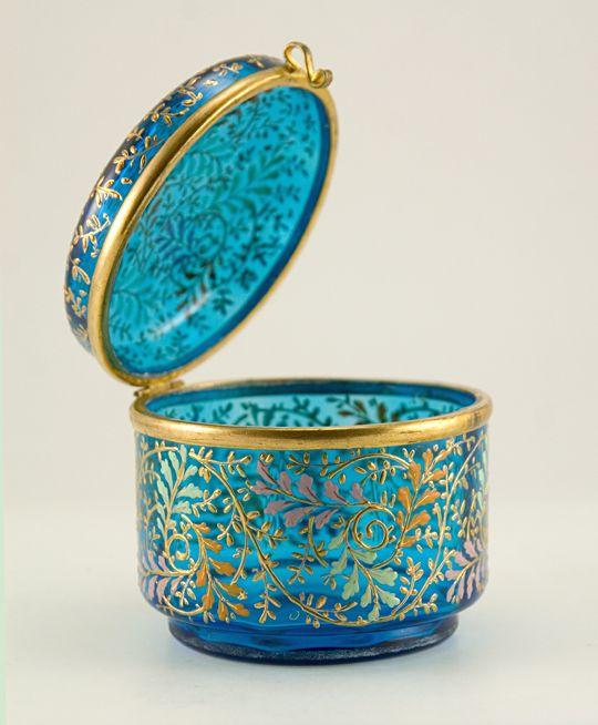 Antique Czech dresser/powder box by Moser.  Still looks as good as new! #glass