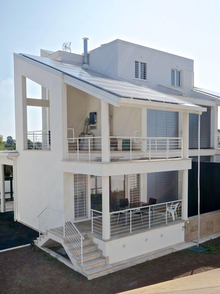 #casa in #legno #green con #energia prodotta esclusivamente  da #rinnovabili #sole  #vento #acqua costruita a #Roma