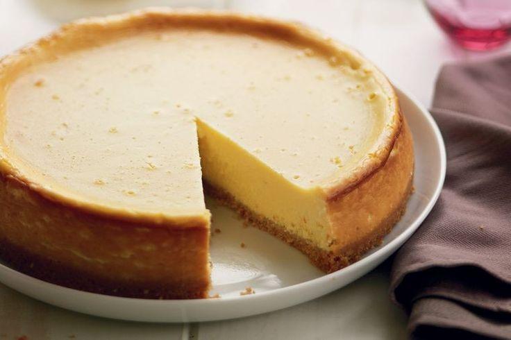 Lemon and mascarpone cheesecake