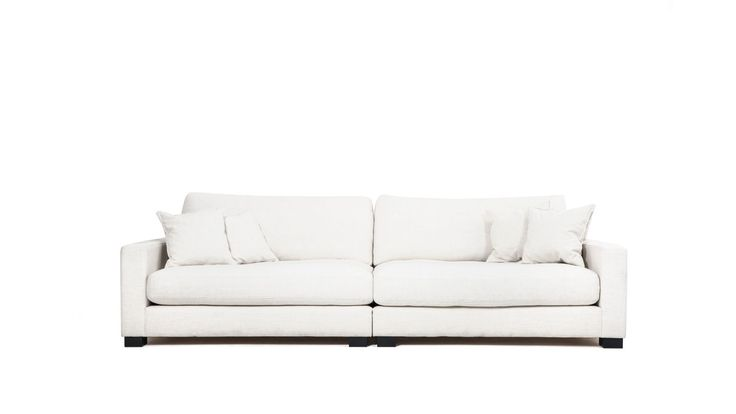 Vit Valen XL soffa i linne. Djup soffa, låg soffa, träben, linnetyg, stor soffa, vardagsrum. http://sweef.se/soffor/149-valen-xl-soffa-i-linne.html