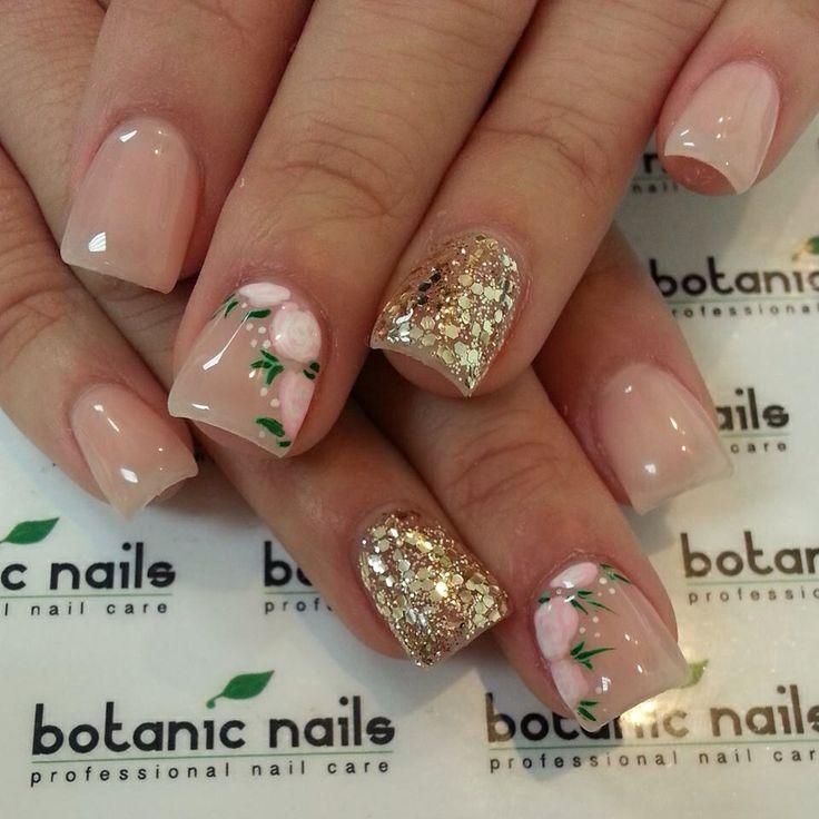 Tan glitter flower nails