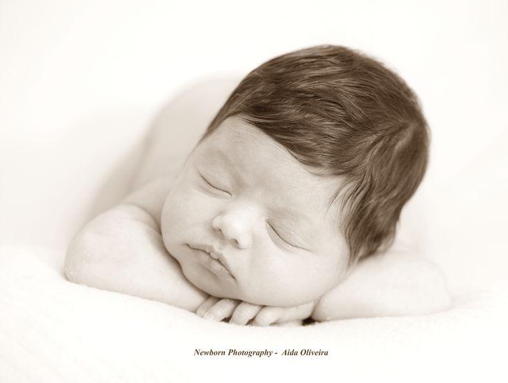 Sessão de Recém Nascida M. - (13 Dias) Newborn Baby Girl M. - (13 Days) Marcações e informações:  aida.oliveira@outlook.pt ou tlmvl 963 436 162