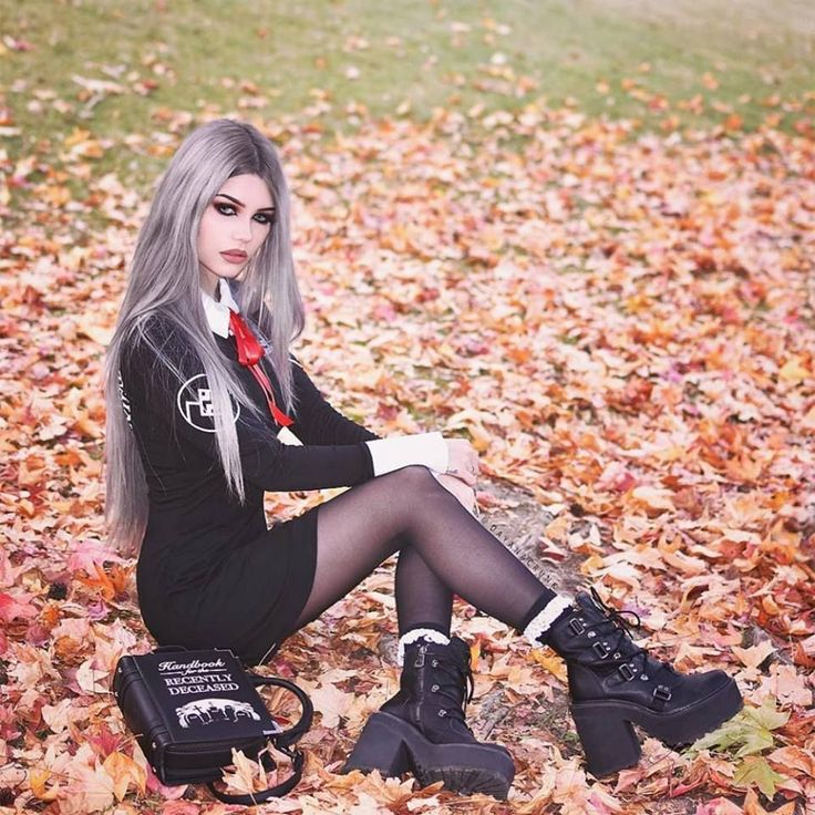 Model: @Dayana Crunk Outfit: Killstar Welcome to Gothic and Amazing |www.gothicandamazing.com
