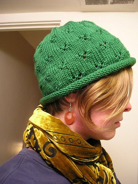 Chemo Knitted Hat Patterns : 17 Best images about Knitting Patterns - Hats Chemo on Pinterest Free patte...