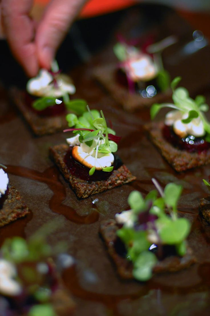 Quick goat cheese baby beet canap balsamic glaze and for Gourmet canape ideas