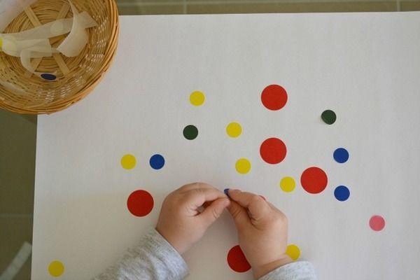 Toddler Art Ideas for toddlers 1+ (or even younger!). This is a project involving sticker dots that you can frame!