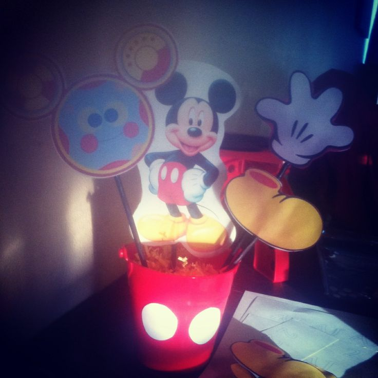 DIY Mickey Mouse centerpieces | Mickey party | Pinterest ...