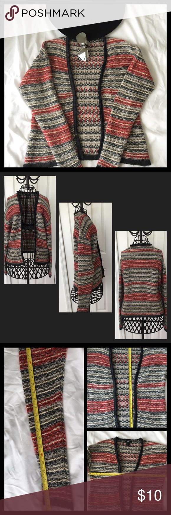 ✔️H&M multi color cardigan Beautiful H&M cardigan. 49% acrylic, 18% nylon. Machine wash cold gentle cycle. Only non-chlorine bleach when needed. Line dry.  No tears, rips, hole or stains. H&M Sweaters Cardigans