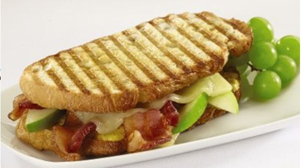 Amazing Bacon, Apple and Cheddar Panini! http://fabulesslyfrugal.com/2012/09/bacon-apple-cheddar-panini.html