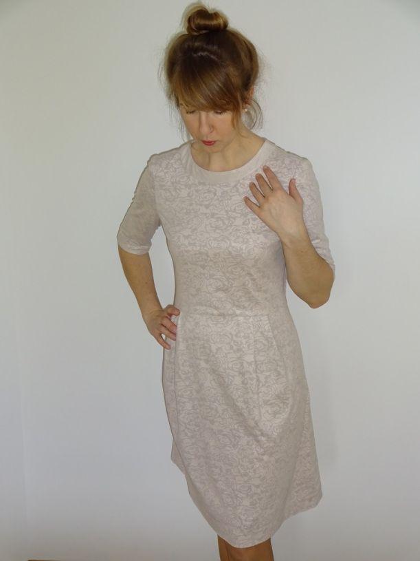 sukienka Burda 8/2015 model 123; dress