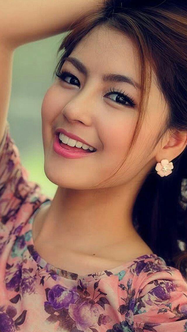 Beautiful Face Nụ Cười Dễ Thương Người Mẫu