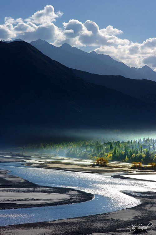 A mesmerising morning: view of Indus River, Khaplu, Pakistan. No doubt  Pakistan is one of the most beautiful countries in world, Switzerland of  Asia.