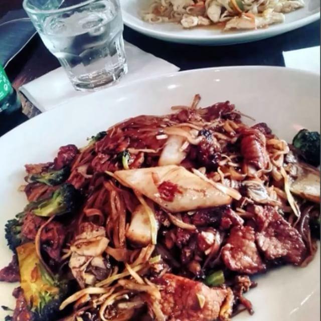 Už je nás 1000 na instagramu �� Děkujeme, přátelé! �� www.modryzub.com �� #ModryZubJindrisska #ModryZubSpalena #ModryZubDlouha #ModryZubAndel #longstreetfood #czechrepublic #prague #noodlebar #freshfood #healthyfood #thaicuisine #fresh #healthy #tasty #foodlover #love #thai #top #foodporn #photooftheday #bestmenu #follow #followme #followforfollow #follow4follow #instafood #ModryZub #dame1000followers http://w3food.com/ipost/1505045973466333098/?code=BTi_1a7F7-q