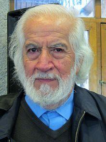 Salazar, Garbiel -historiador chileno. Escribió historia económica de Chile. Historiografía social y política contemporanea.