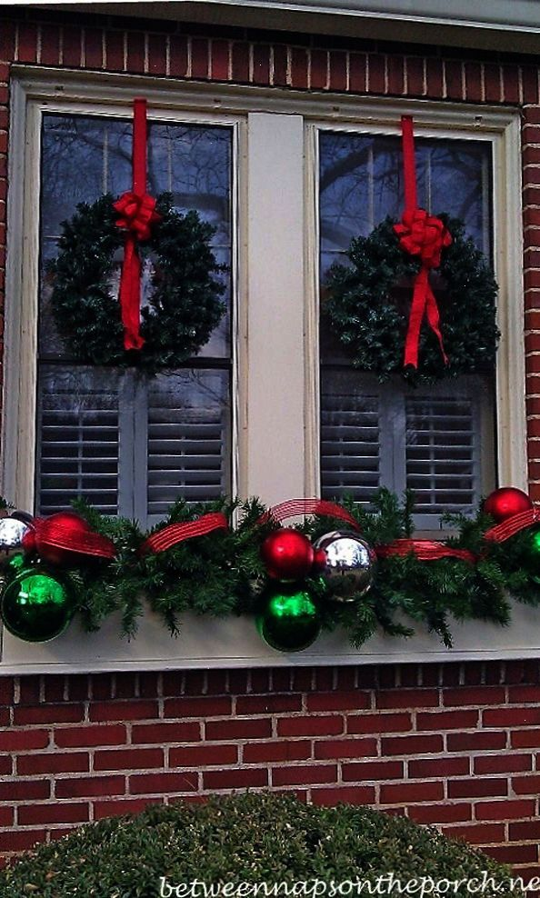 Christmas Decorating Ideas for Porches Doors and Windows Christmas