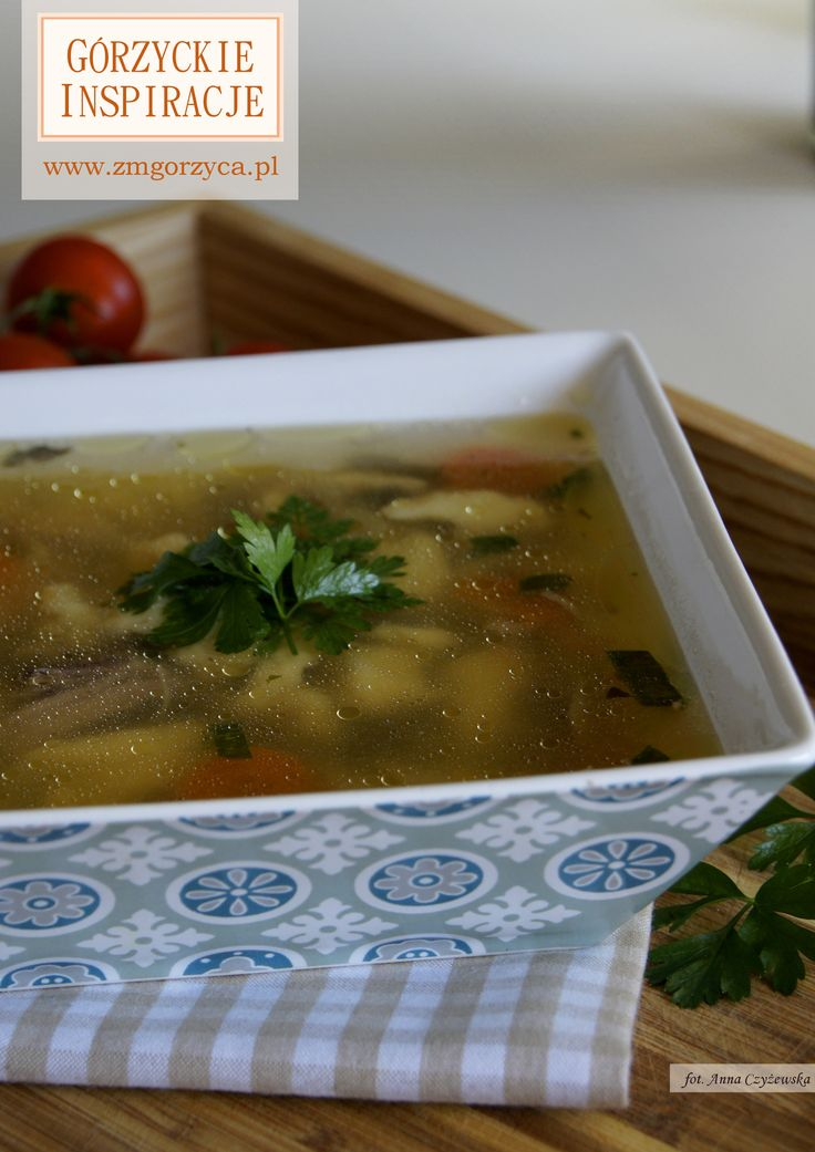 Domowa zupa z kurczakiem i kluseczkami