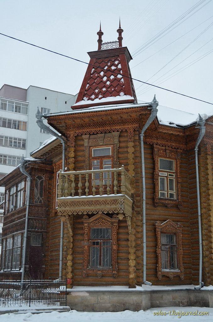 Состояние деревянной архитектуры Екатеринбурга хорошо отображает фотография ниже. Описывается же она тремя словами - есть, немного, красива. Но начнем все по порядку. В ноябре 2012г. в Екатеринбург у меня была запланирована деловая поездка. 4 дня дороги и 1 день в самом городе. Если на осмотр…