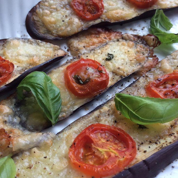 Aubergine with mini-mozarella, tomato and basil