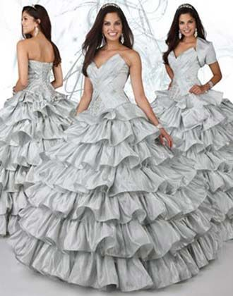 e4de4f494 Vestidos para XV años en color plata