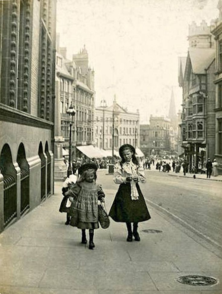 Queen Street, Nottingham, c1890s.