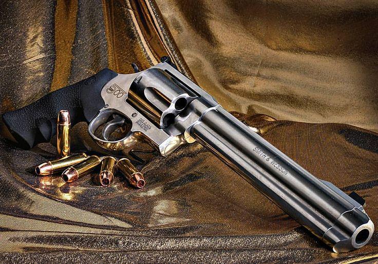 Manufacturer: Smith & Wesson Mod: S&W 500 Caliber - Calibre: 500 S&W Magnum Capacity - Capacidade: 5 Rounds Barrel -Comp. Cano: 8 3/8 Weight - Peso: 2050...