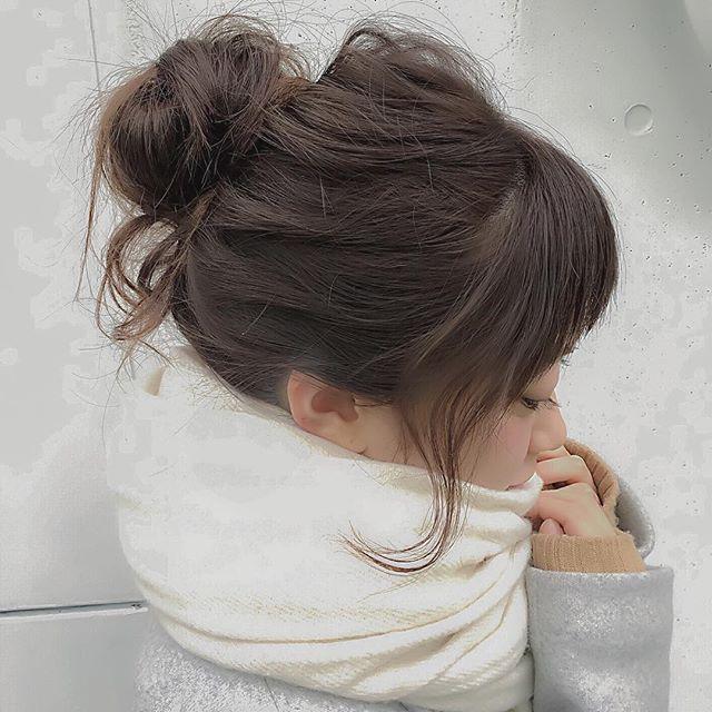 ヘアアレンジ教科書♡プロ美容師に学ぶ前髪・後れ毛のアレンジ方法 - Locari(ロカリ)