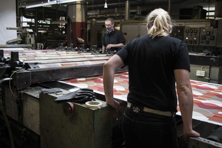 Here are our excellent technicians in action in the production of design Malaga by Mona Björk.