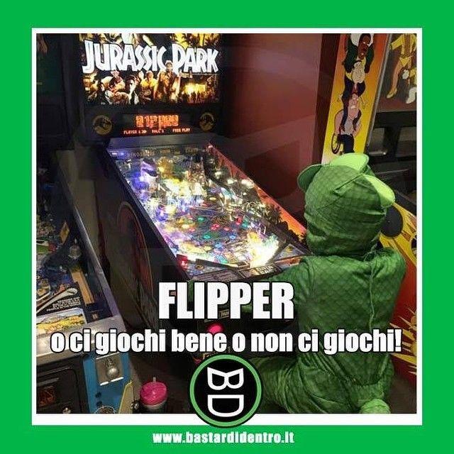 Quindi molto probabilmente un bambino vestito da Peter Griffin sta giocando nel #flipper a fianco! #bastardidentro… www.bastardidentro.it