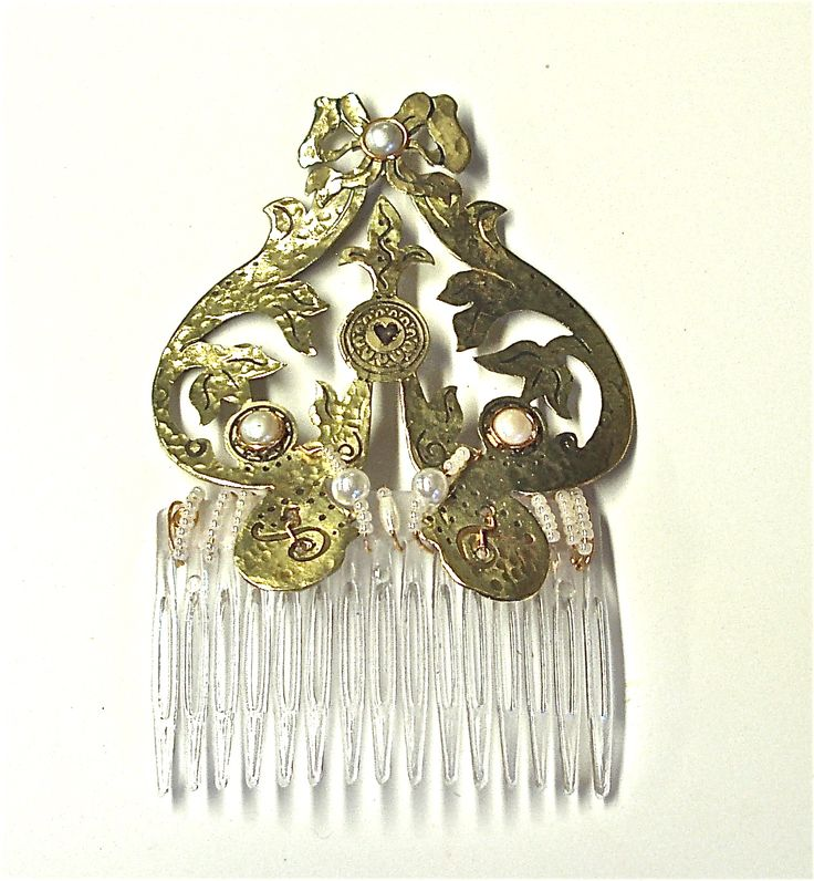 Wedding Haircomb created for my niece's wedding for the back of her headdress.