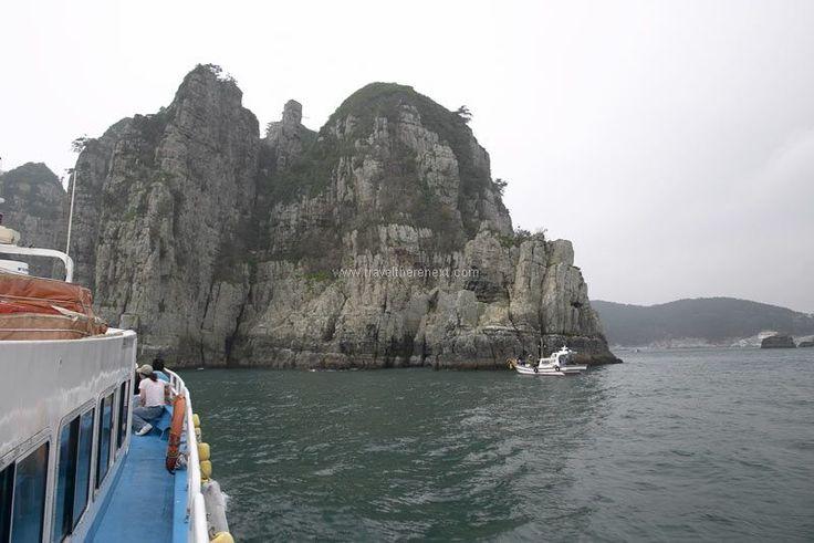 Goeje Korea - On a tour boat to Haegeumgang Island  #southkorea #asia #korea #goeje #tongyeong #seaport #island #city #history #culture #experience #travel #traveltherenext
