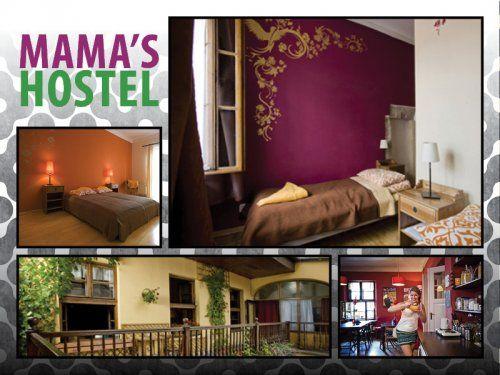Mama's Hostel a Cracovia, in Polonia. Sedie e divani old fashion e un'accoglienza che ti farà sentire come a casa.