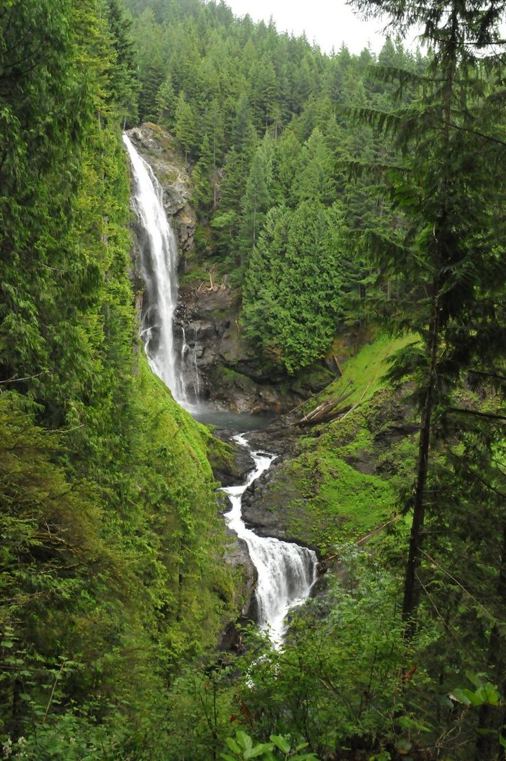 6 kid-friendly waterfall hikes near Seattle
