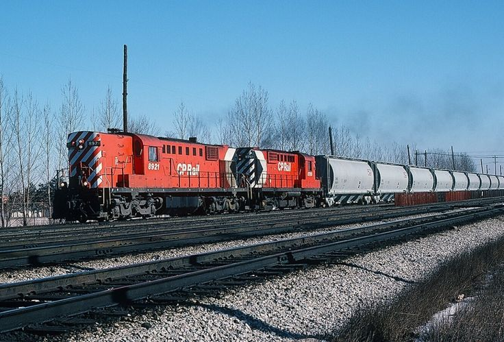 THE 8921 – the one and only MLW RSD-17 - is assisted by 8769 (MLW RS-18) on a February 1, 1980 transfer, westbound leaving Agincourt. The 2400 rated horsepower RSD-17 typically handled such transfers single handedly. Kodachrome by S.Danko.