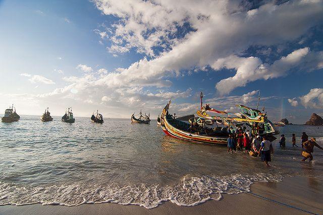 Pantai Papuma, Jember.