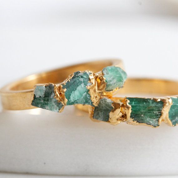 http://rubies.work/0304-sapphire-ring/ Currently Coveting: 10 Fabulous Etsy Finds