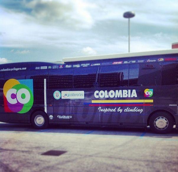 Nuestro @col_coldeportes en @Giro d'Italia #escarabajos #vamoscolombia @Marco Gobbi Pansana ✌☀ #memoriasgiro