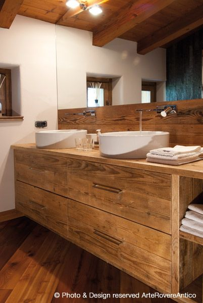 Modern wood bathroom by Arte Rovere Antico || Photo by Duilio Beltramone for Sgsm.it ||